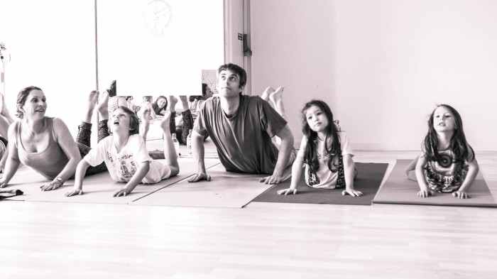 Family-Yoga-Class.jpg